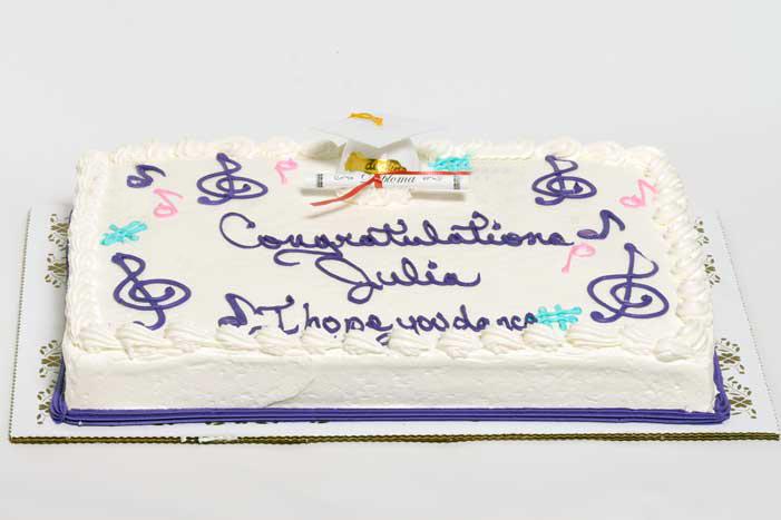 Graduation Cakes Style J