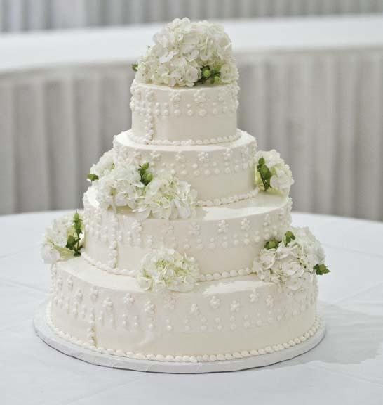 16 oct october classic wedding cake