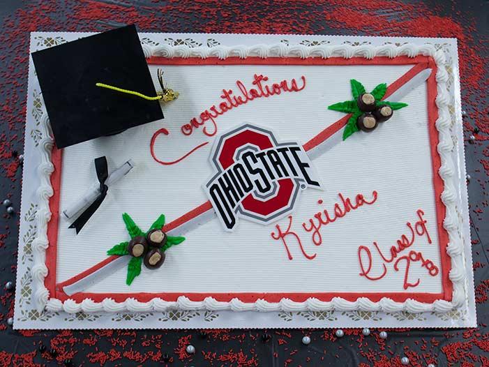 "Graduation Cakes ""Style B"""