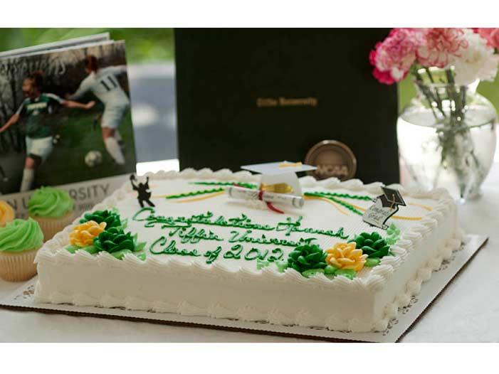 Graduation-Cakes