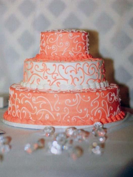 VIVIAN A Wedding Cake