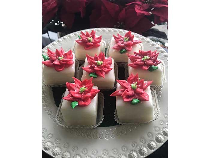 Poinsettias Petit Fours