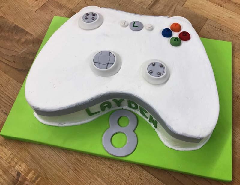 Controller Form Cake